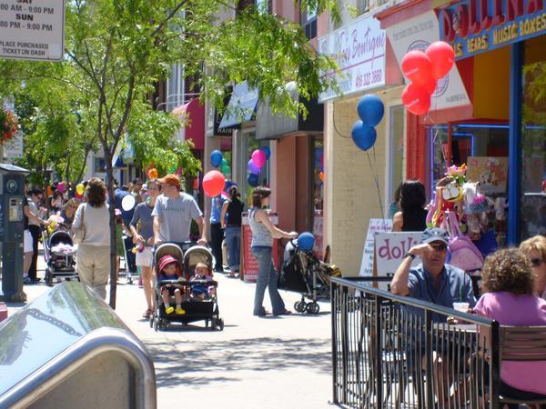 Yonge & Lawrence Sidewalk
