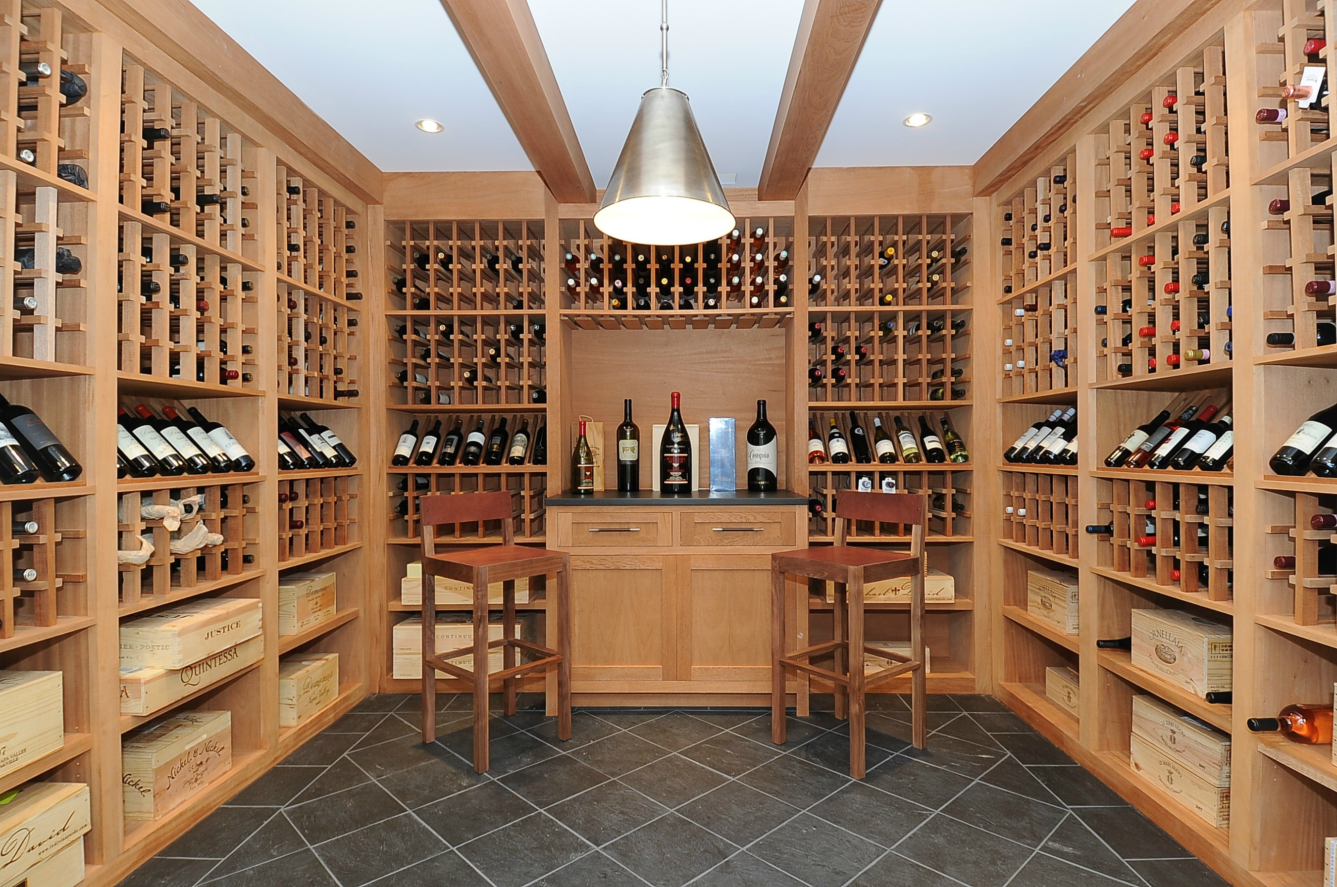 Luxury real estate in for Luxury home wine cellars