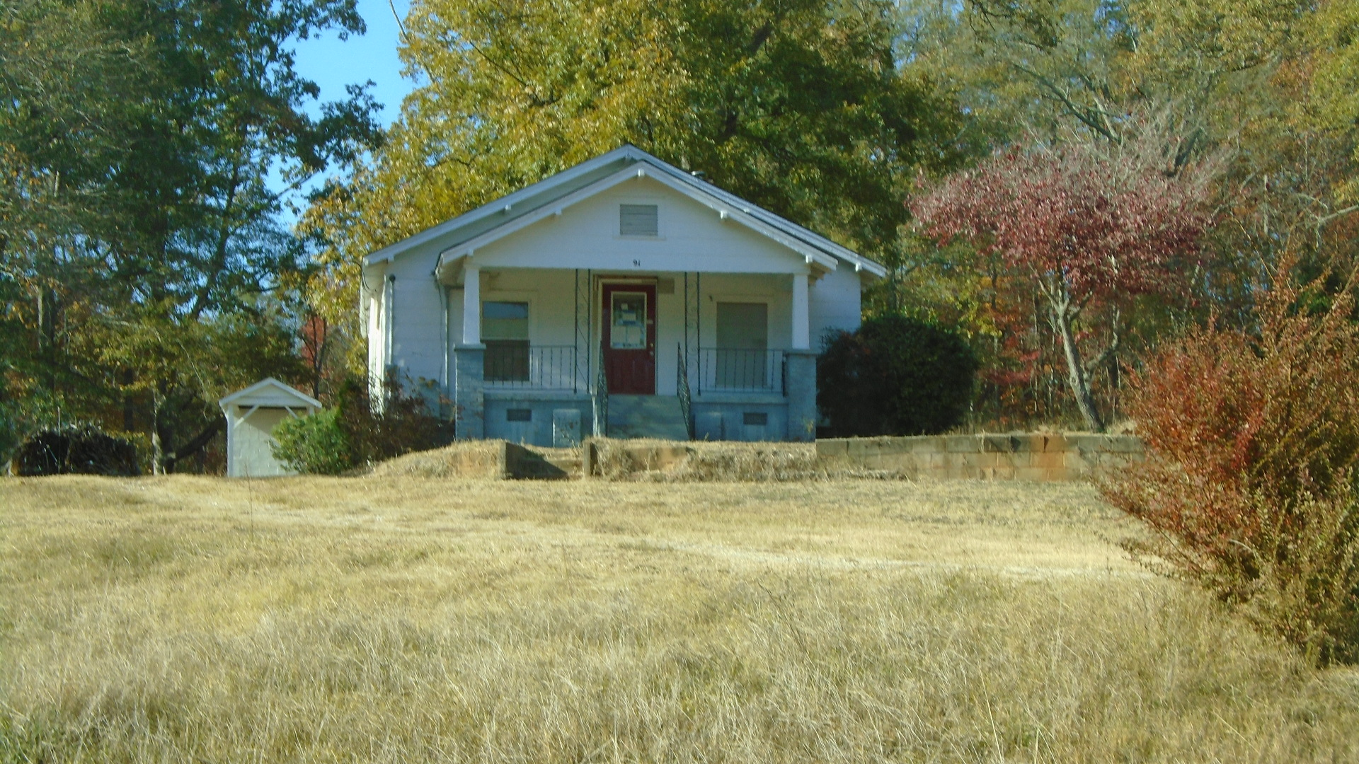 91 Smith St Ext Ware Shoals SC 29692 front of home